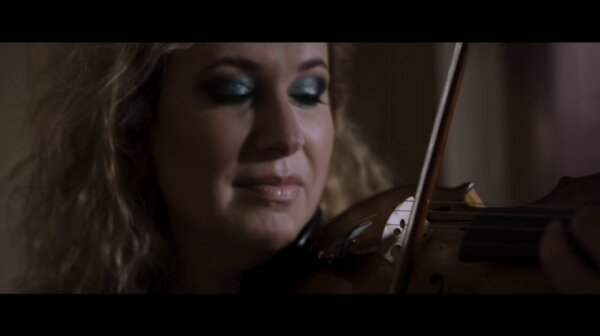 Gwendolyn plays Boulanger from the album TROIS
