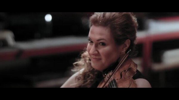 Gwendolyn plays Dinicu from the album ORIGIN