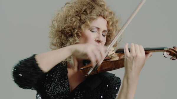 Gwendolyn plays Faure from the album FLAME